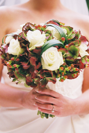Eco-friendly bridal bouquet with red and green hydrangea and lily grass