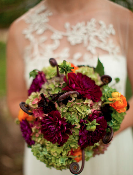 Bridal bouquet by Elegance & Simplicity